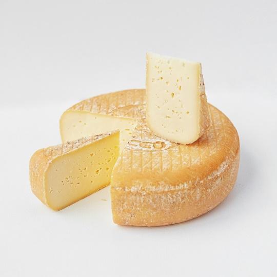 Напівтвердий базовий сир Швейк