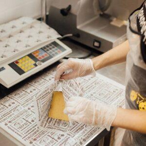 Як зберігати крафтовий сир вдома?