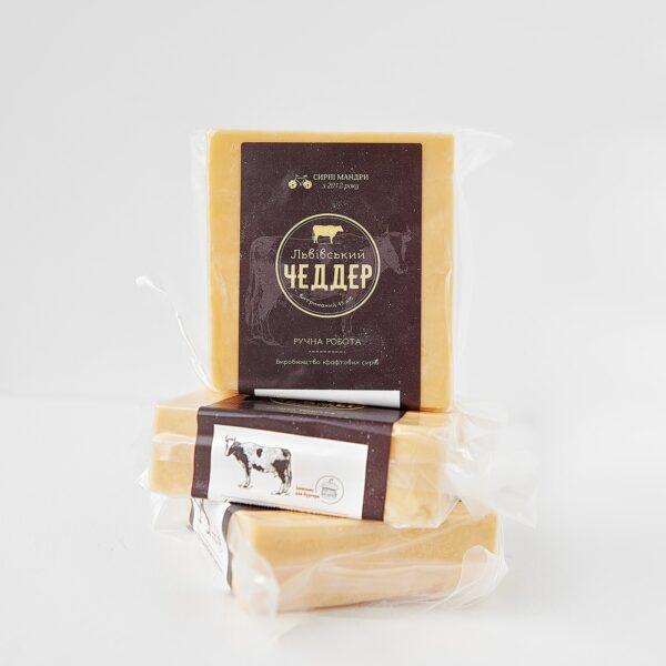 Львівський Чеддер — сир для сендвічів та бургерів