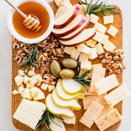 Як правильно нарізати сир?